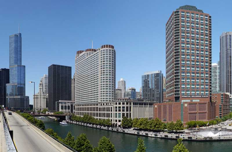 Cityfront Place apartments, 400 N McClurg Ct, Streeterville