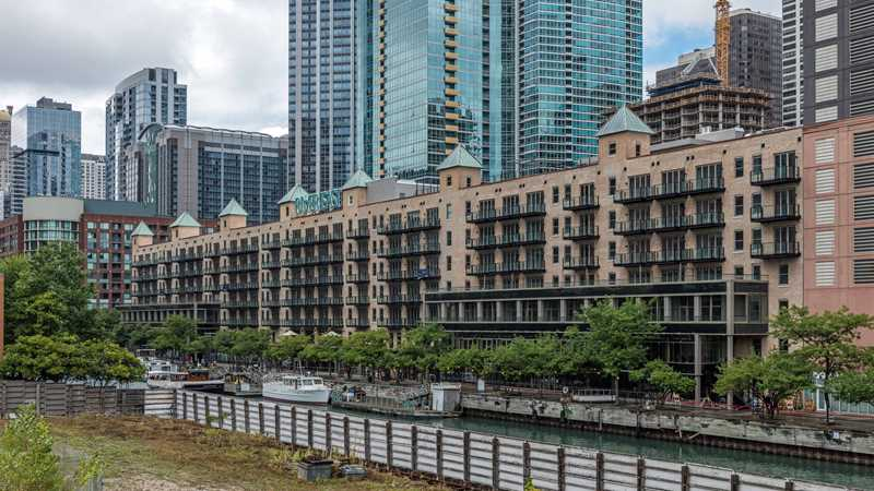 Fabulous amenities, waterfront location at new Streeterville lofts