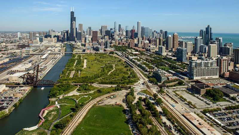 City making moves on massive South Loop site
