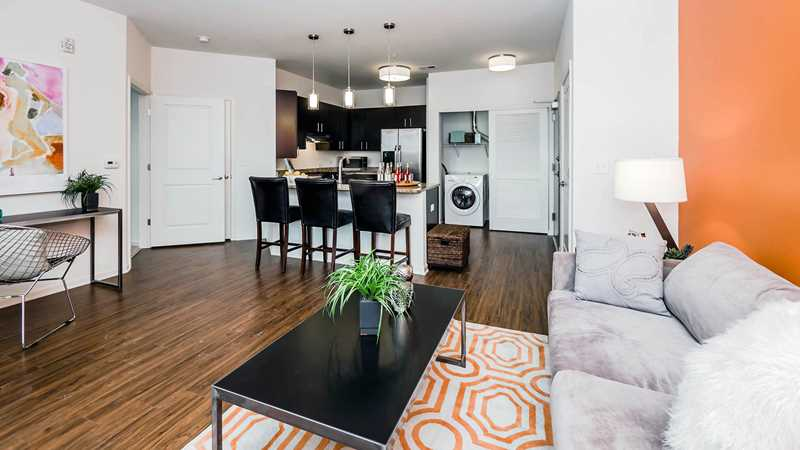 New high-amenity Naperville apartments near great shopping and dining