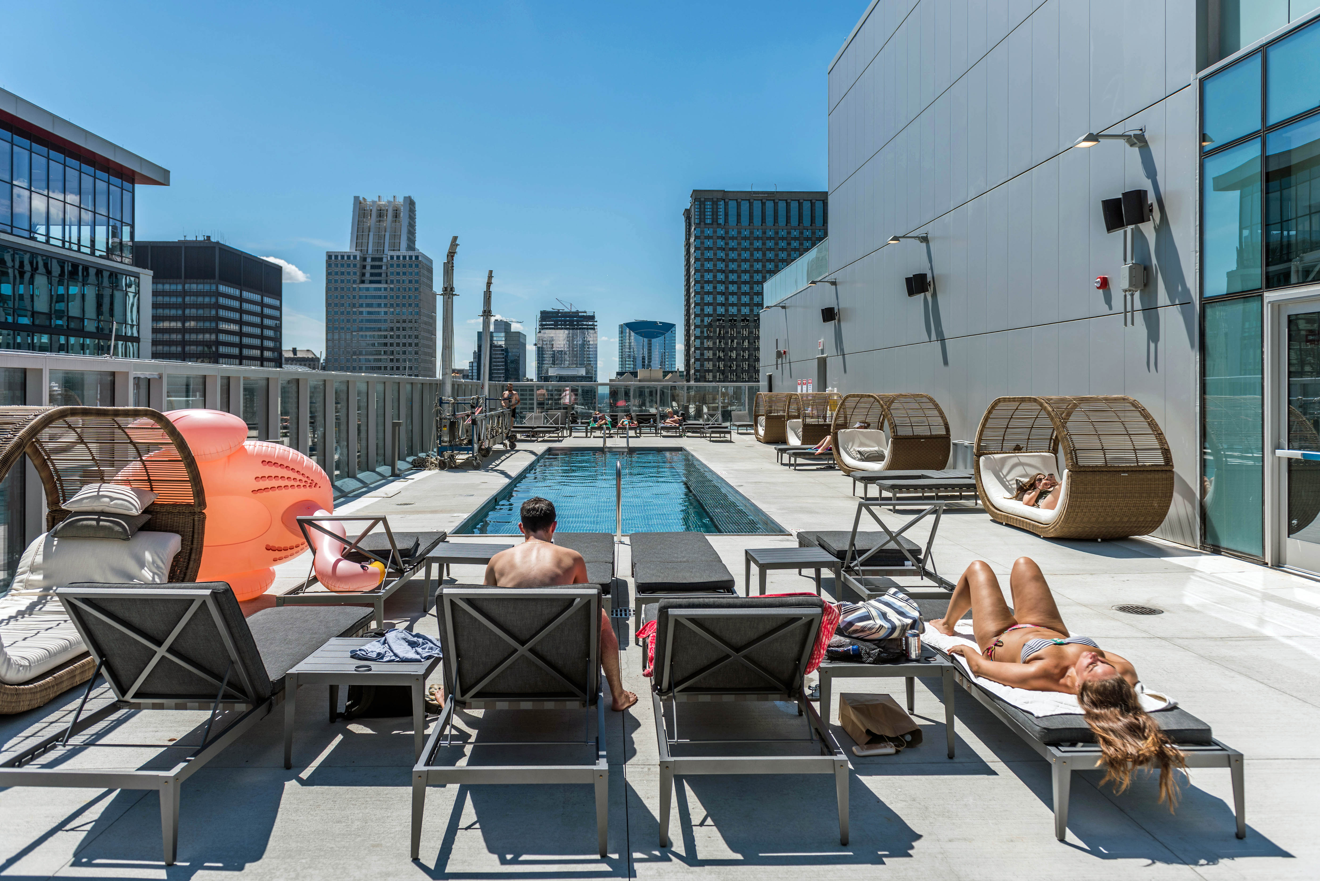 Luxury Apartments Pool. MILA  New luxury apartments boast the Loop s only rooftop pool