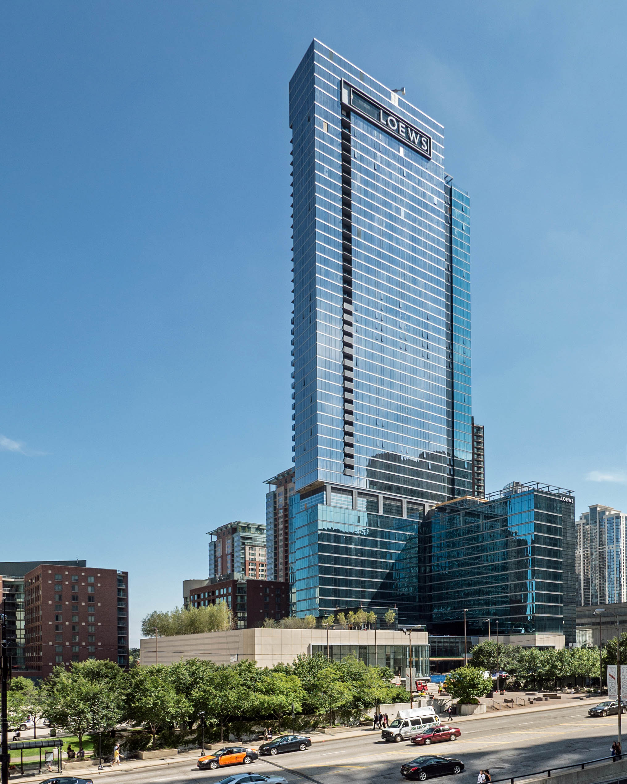 Sophisticated New Streeterville Apartments With Dramatic