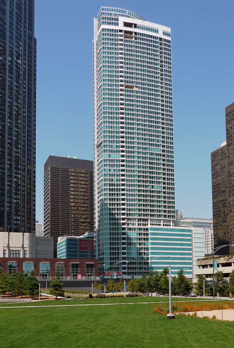 Atwater apartments, 355 E Ohio St, Streeterville