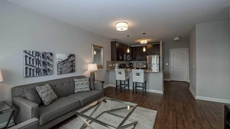 Evanston Apartment Review Amli Evanston 737 Chicago Ave Yochicago