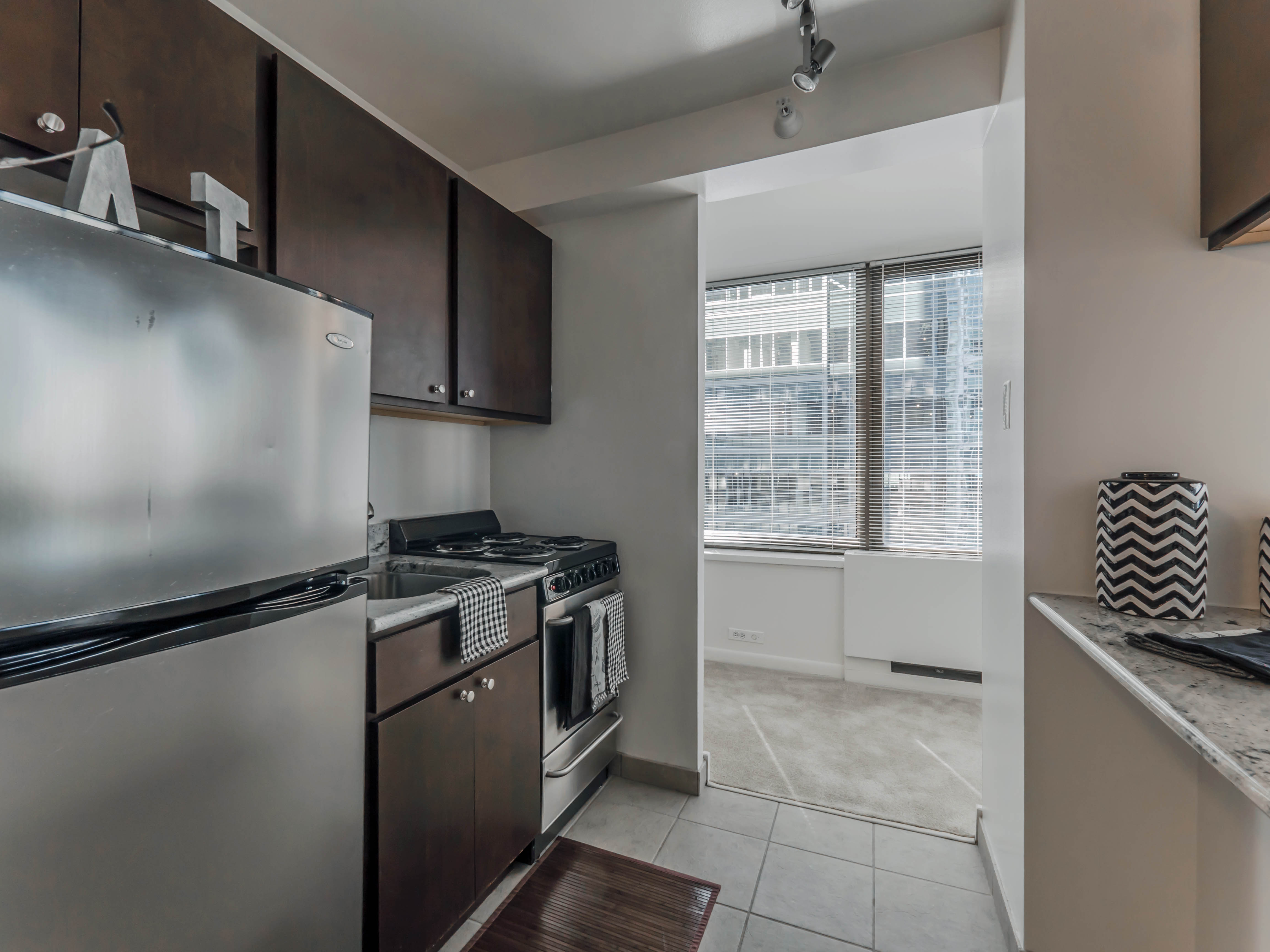 Tour new model apartments at a streeterville favorite for New model apartment
