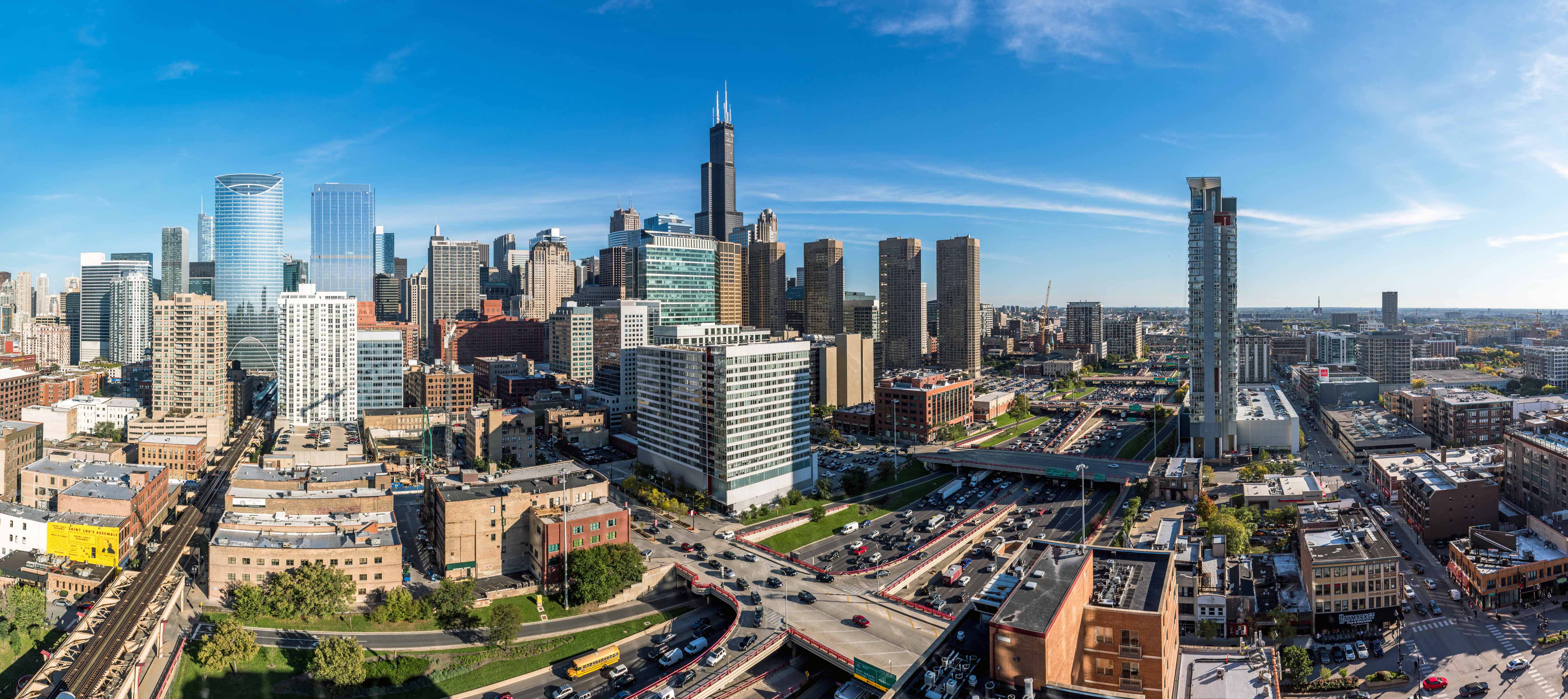Panoramic Skyline Views From The West Loop S Newest