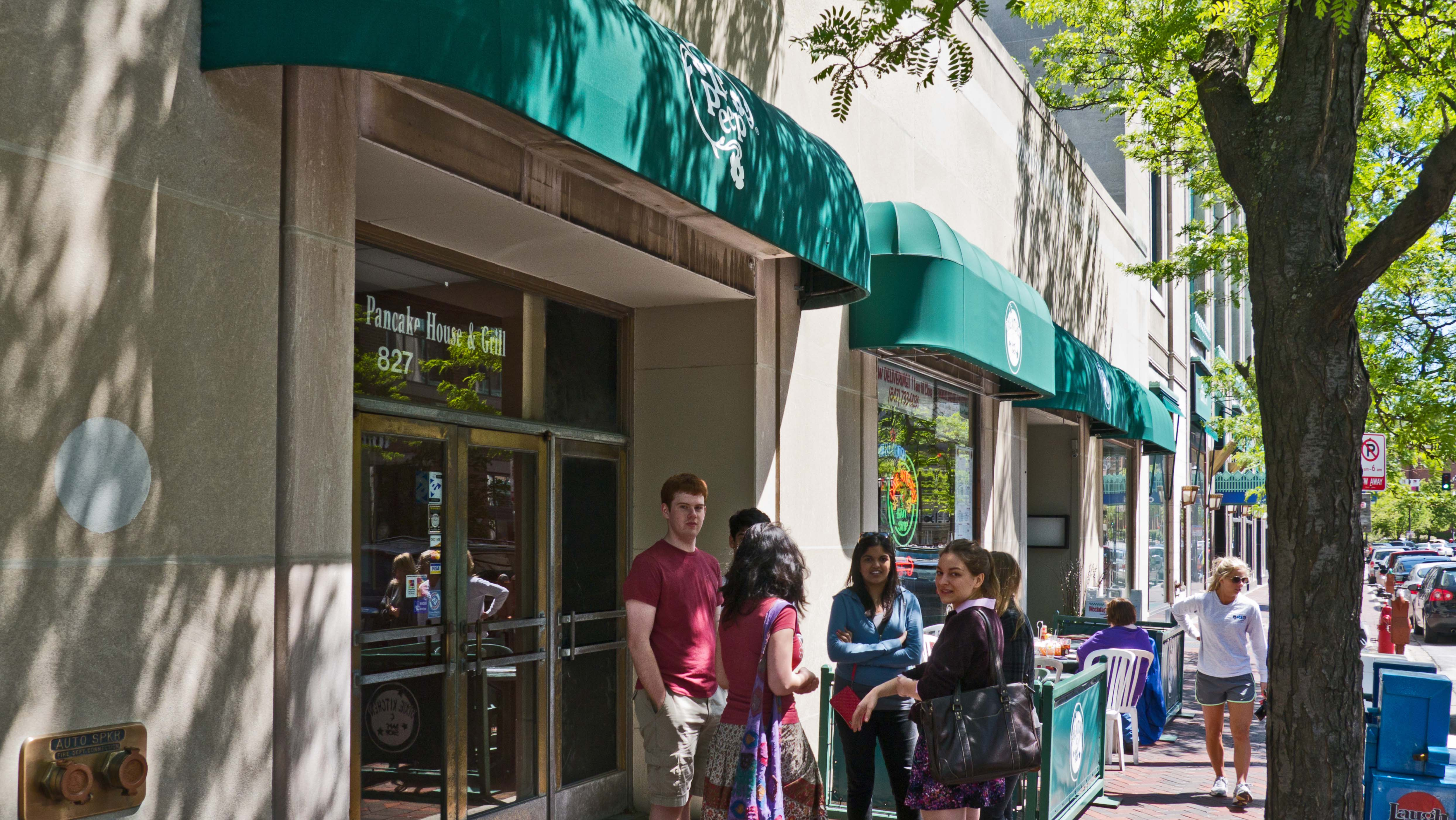 Residents. The dense and diverse dining scene near Evanston s E2 Apartments