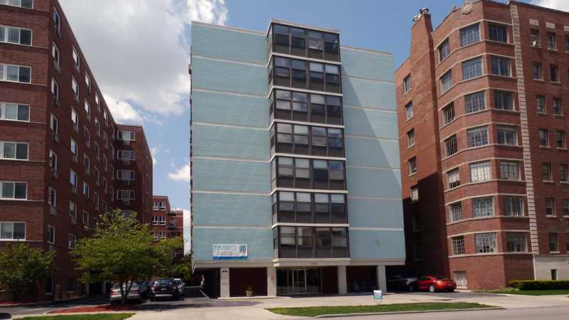 Evanston apartment review, 1420 Chicago Ave