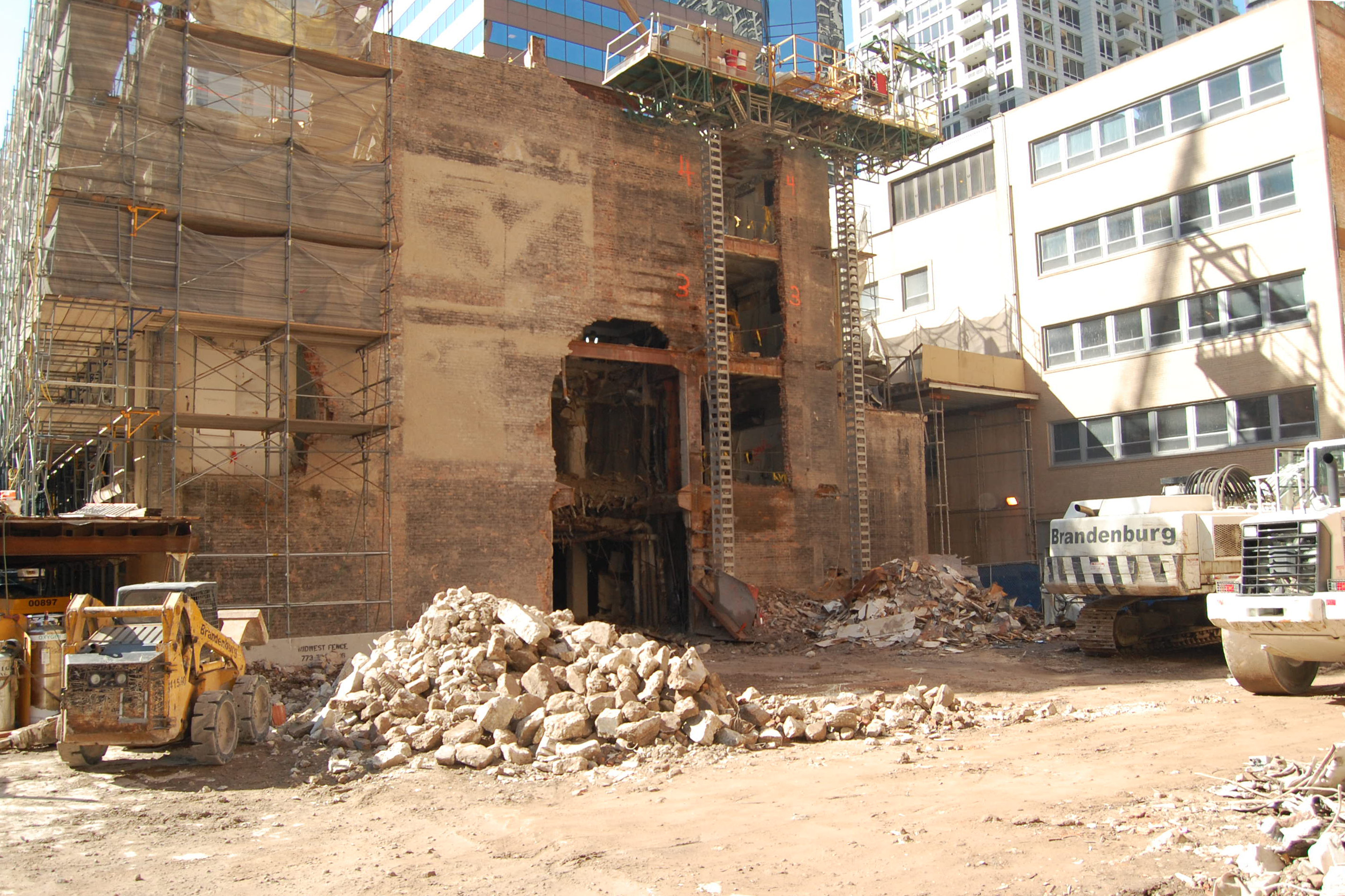 Deconstruction of the Farwell Building, 664 N Michigan Ave, River North, Chicago
