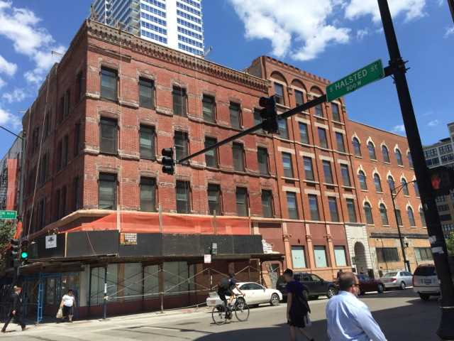 New gut-renovated studios in the West Loop under $1K