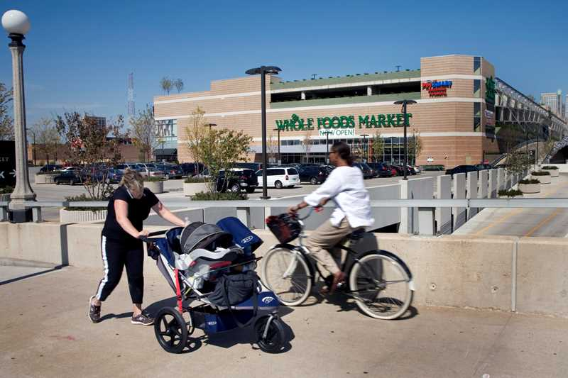 A Whole Foods Market opened in August at 1101 S. Canal St., just north of Roosevelt Road, to great fanfare in the South Loop, which waited decades for its first full-service grocery store, the Jewel at Roosevelt and Wabash.