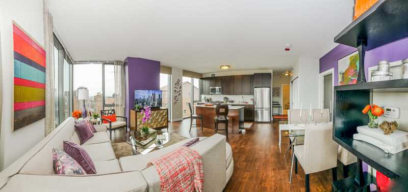 Tour a Gold Coast / River North 2-bedroom with a great layout