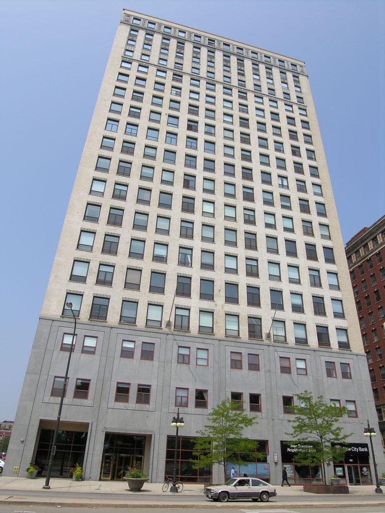 Michigan Avenue combo loft still seeks renter after 282 days