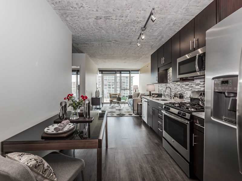 Gateway West Loop checks all the boxes on your apartment wish list