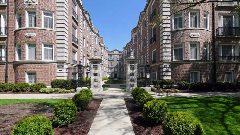 Evanston apartment review, 1509 Hinman Ave