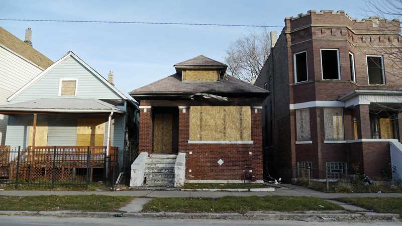 Chicago-area foreclosure rate plummets year-over-year