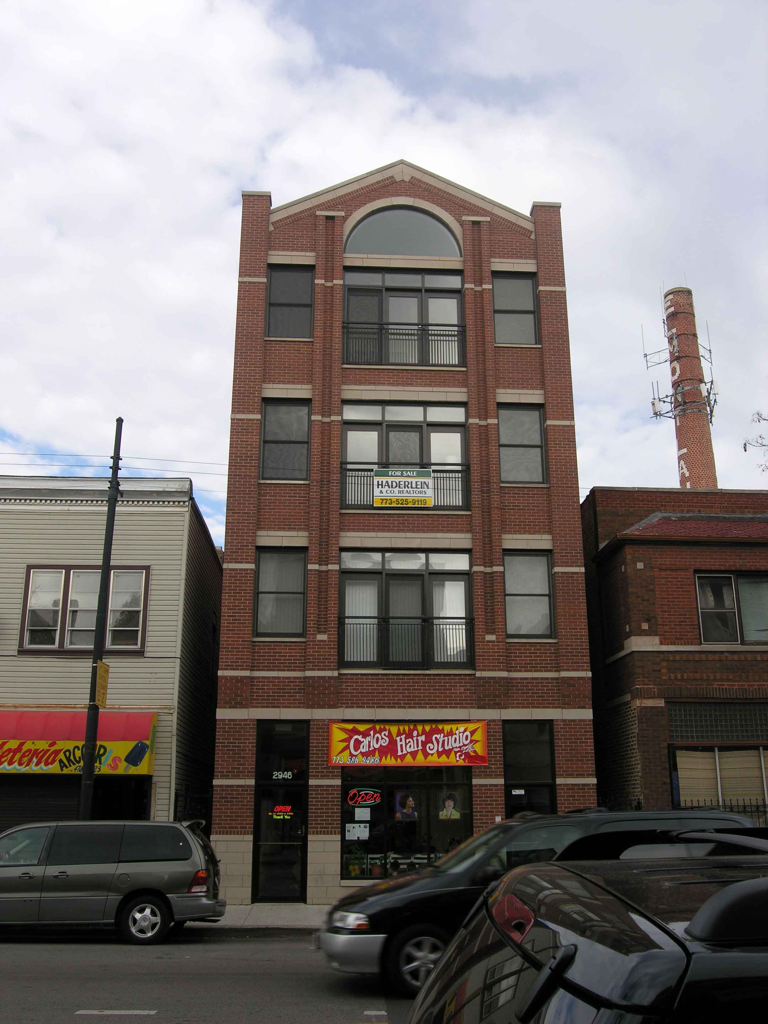 2946 W Belmont Ave