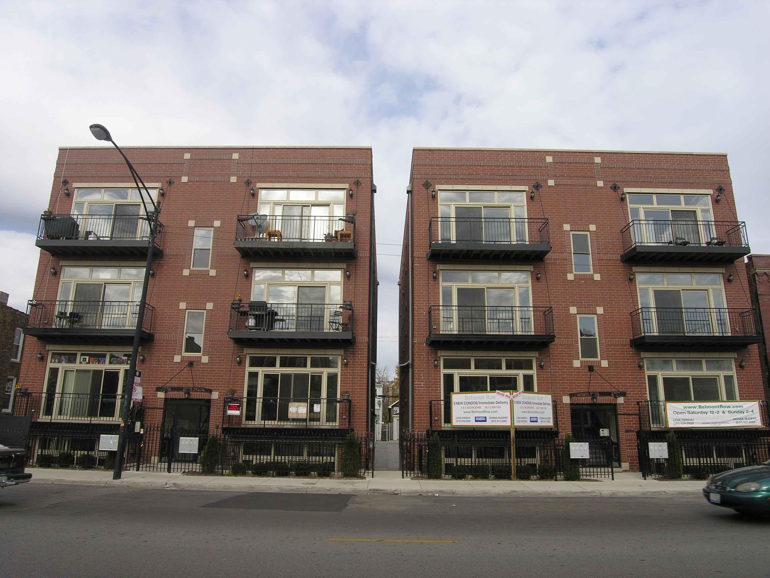 Belmont Row, 2734 W Belmont Ave