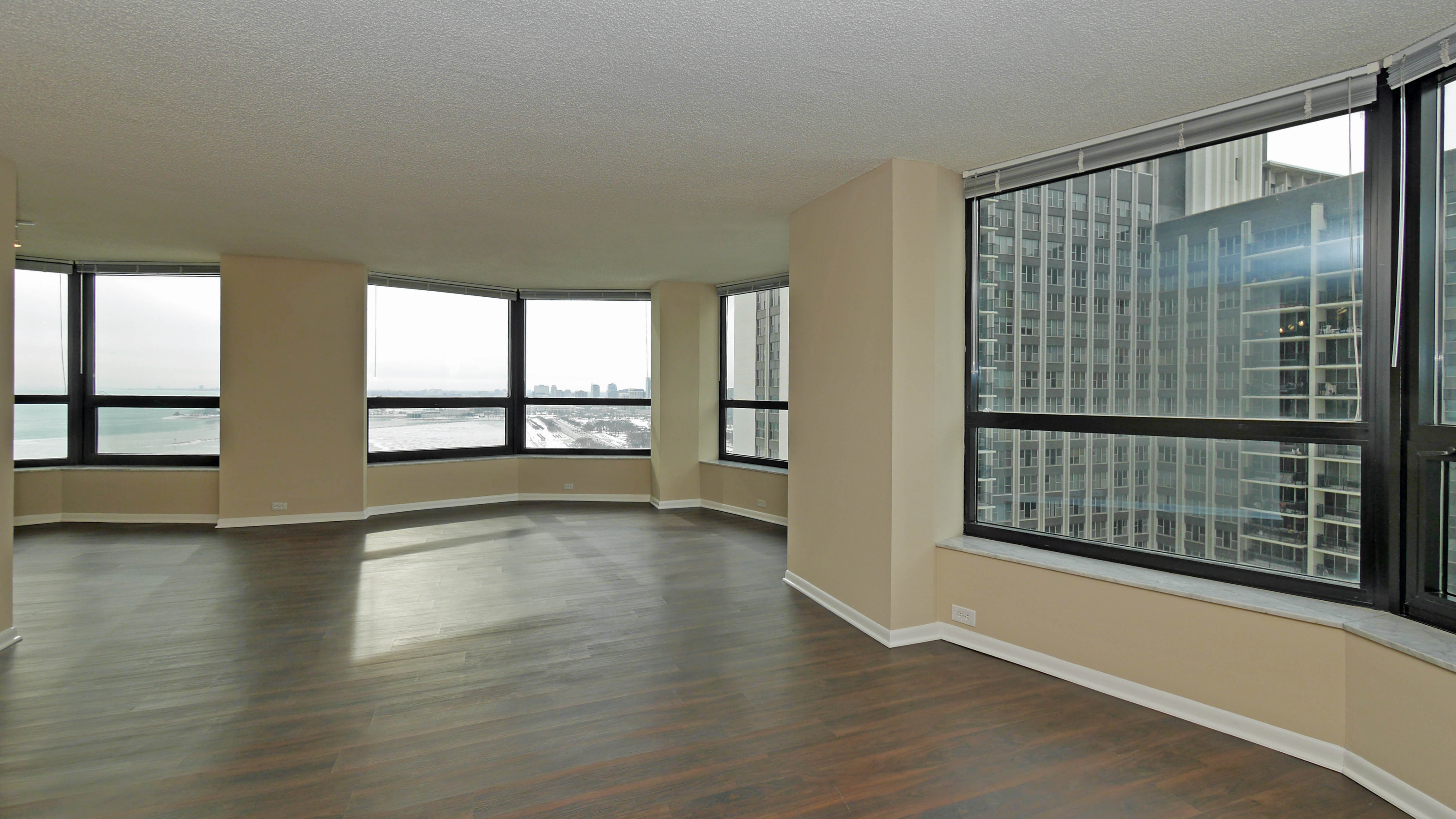 Terrific North Harbor Chicago Apartments 175 N Harbor Dr New East Home Interior And Landscaping Eliaenasavecom