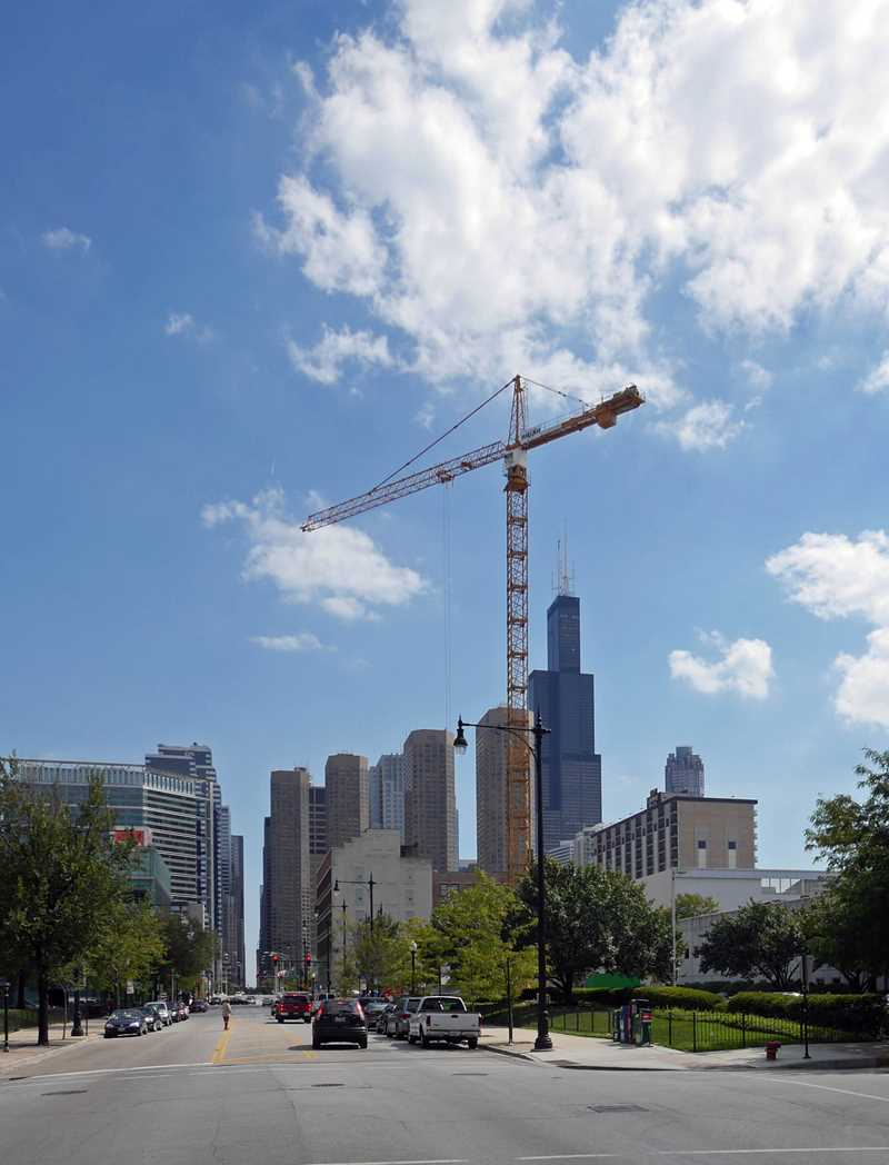 Gateway apartments underway in the West Loop