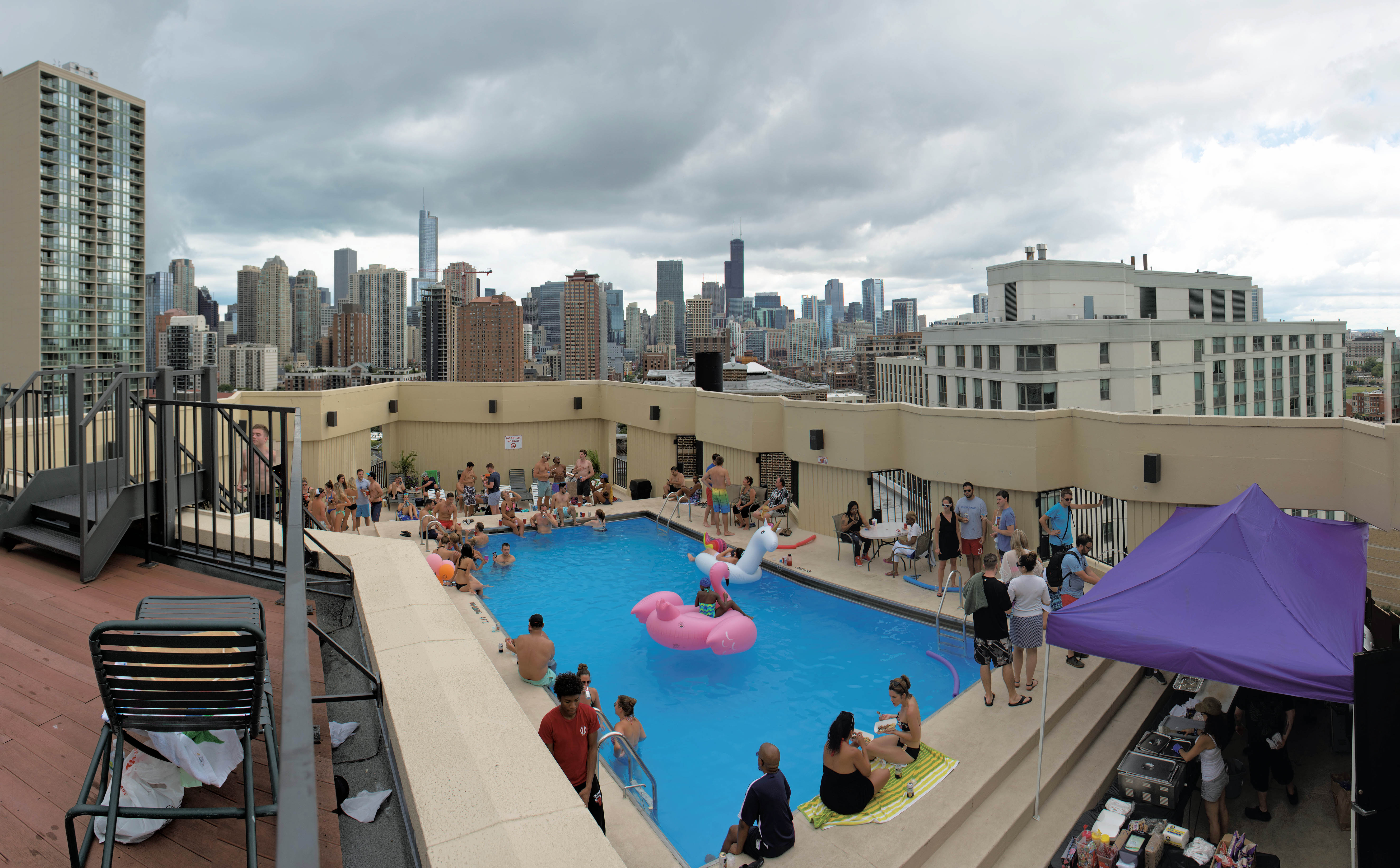 Video A Walk Around The Pool Party At 1120 North Lasalle Yochicago