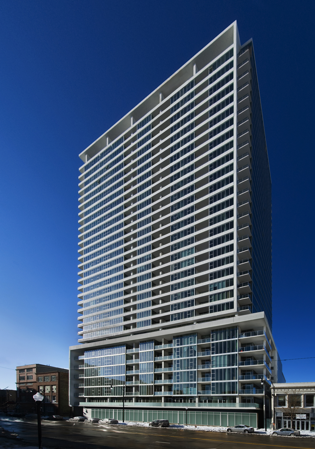 Jazzy high-rise stands tall at 1720 S Michigan