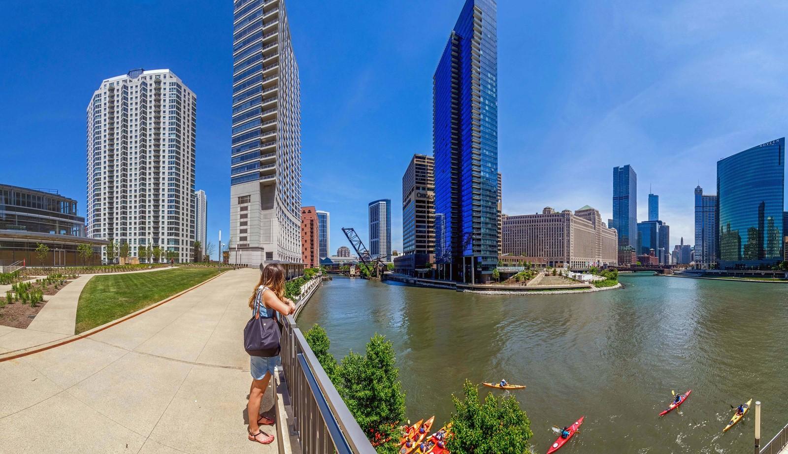 Left Bank River Point Park Chicago