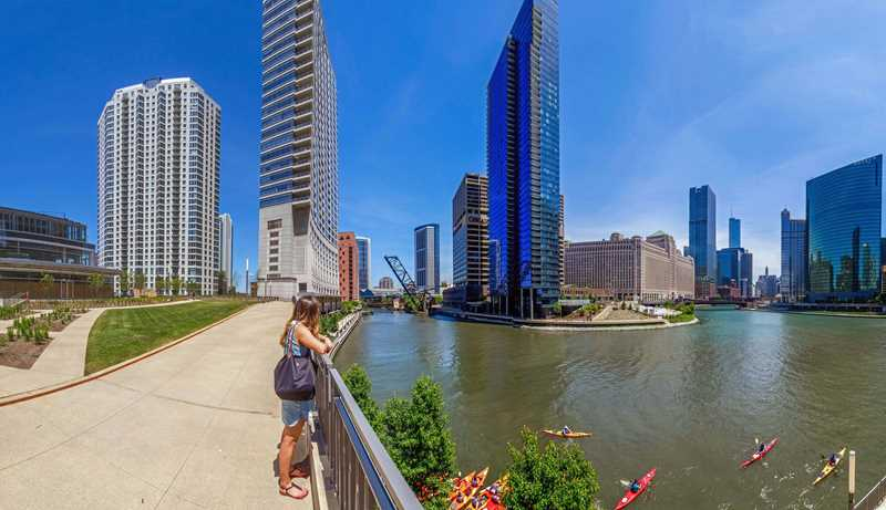 Rent across the street from Gibsons Italia at Left Bank at Kinzie Station