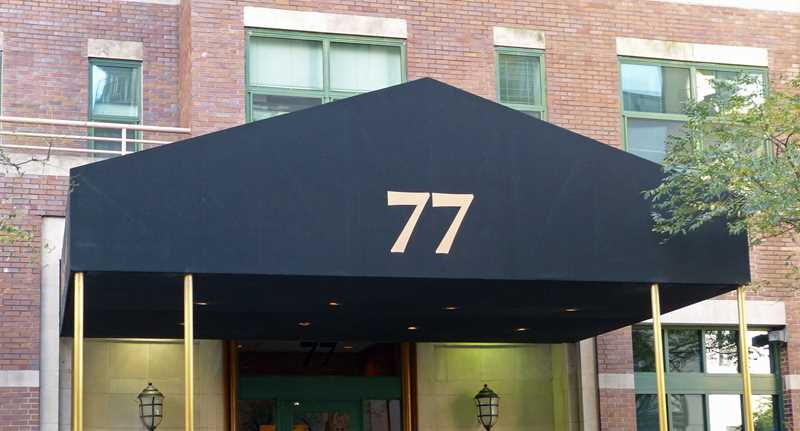 Online specials – free rent in River North