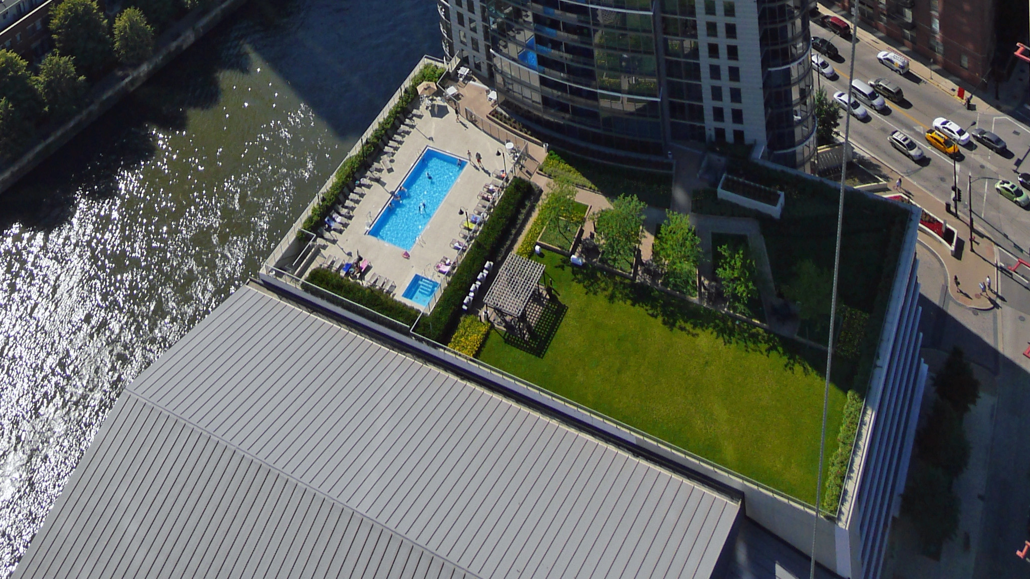 Building Features Affordability River North