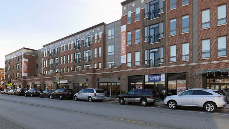 Evanston apartment review, Central Station, 1730 Central St
