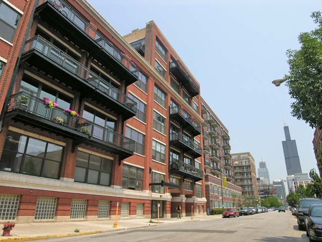 The nearly news: The highs, lows, and in-betweens of West Loop one-bedrooms