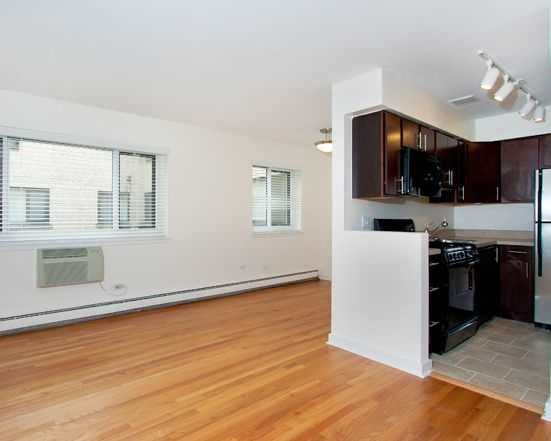 Lakeview East spotlight – a sunny one-bedroom on Roscoe