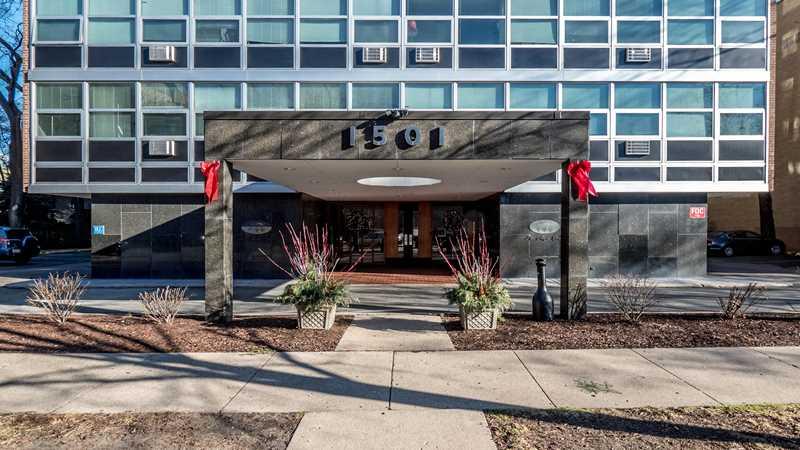 Evanston apartment review, 1501 Maple Ave
