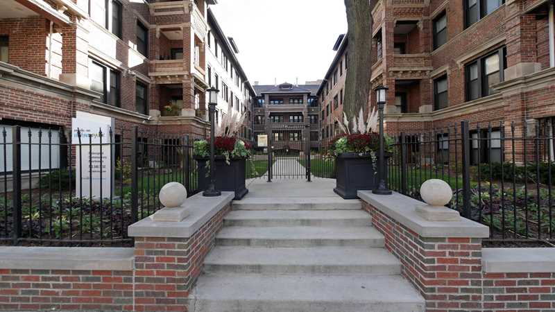 Reside on Irving Park apartments, 725 W Irving Park Rd, Lakeview
