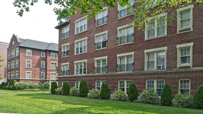 Evanston apartment review, 1303 Maple Ave