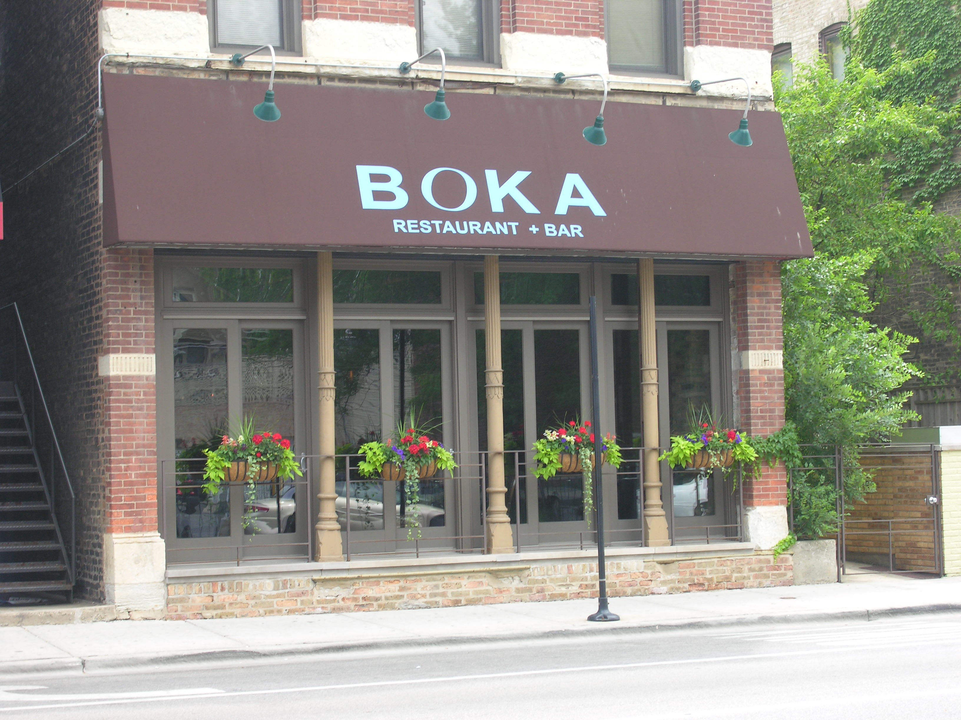 Upscale casual dining in Lincoln Park