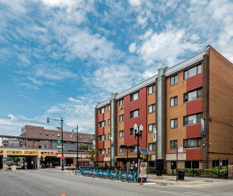 Great apartments in a convenient Rogers Park location