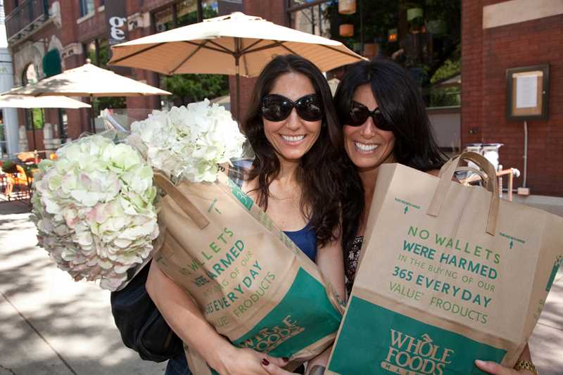 Whole Foods samplers, River North, Chicago, Kardas Photography