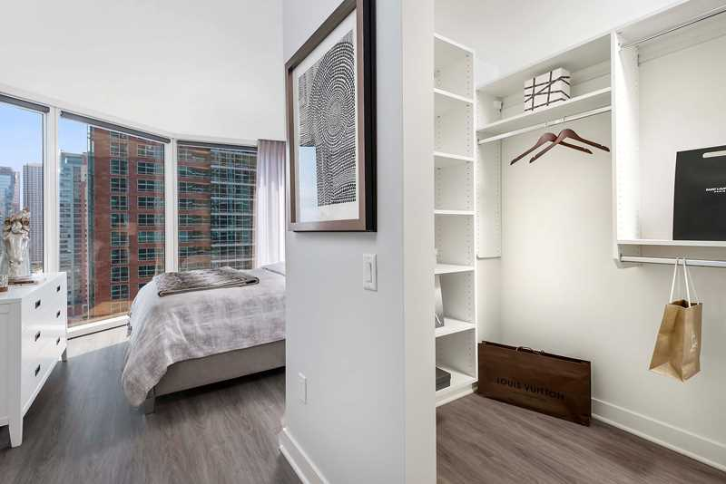 Enjoy lavish amenities and LEED Silver luxury at Streeterville's Moment apartments