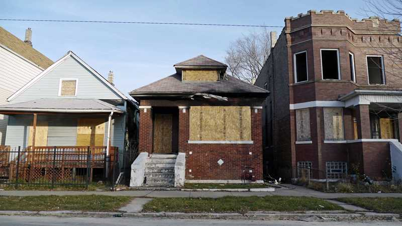 Completed foreclosures plummet in metro Chicago area