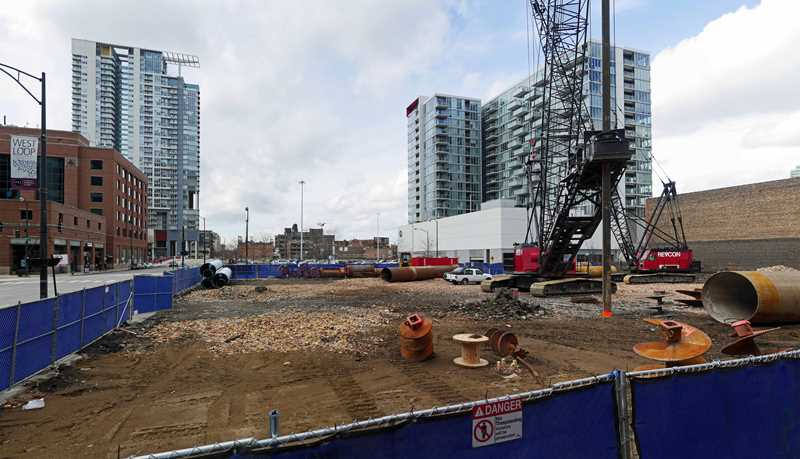 Construction underway on Catalyst apartments in West Loop