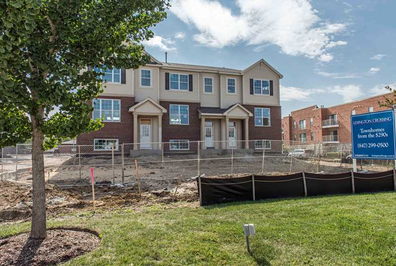 New Rolling Meadows townhomes in a convenient location