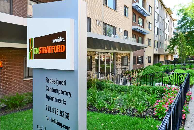 Reside on Stratford apartments, 525 W Stratford Pl, Lakeview East
