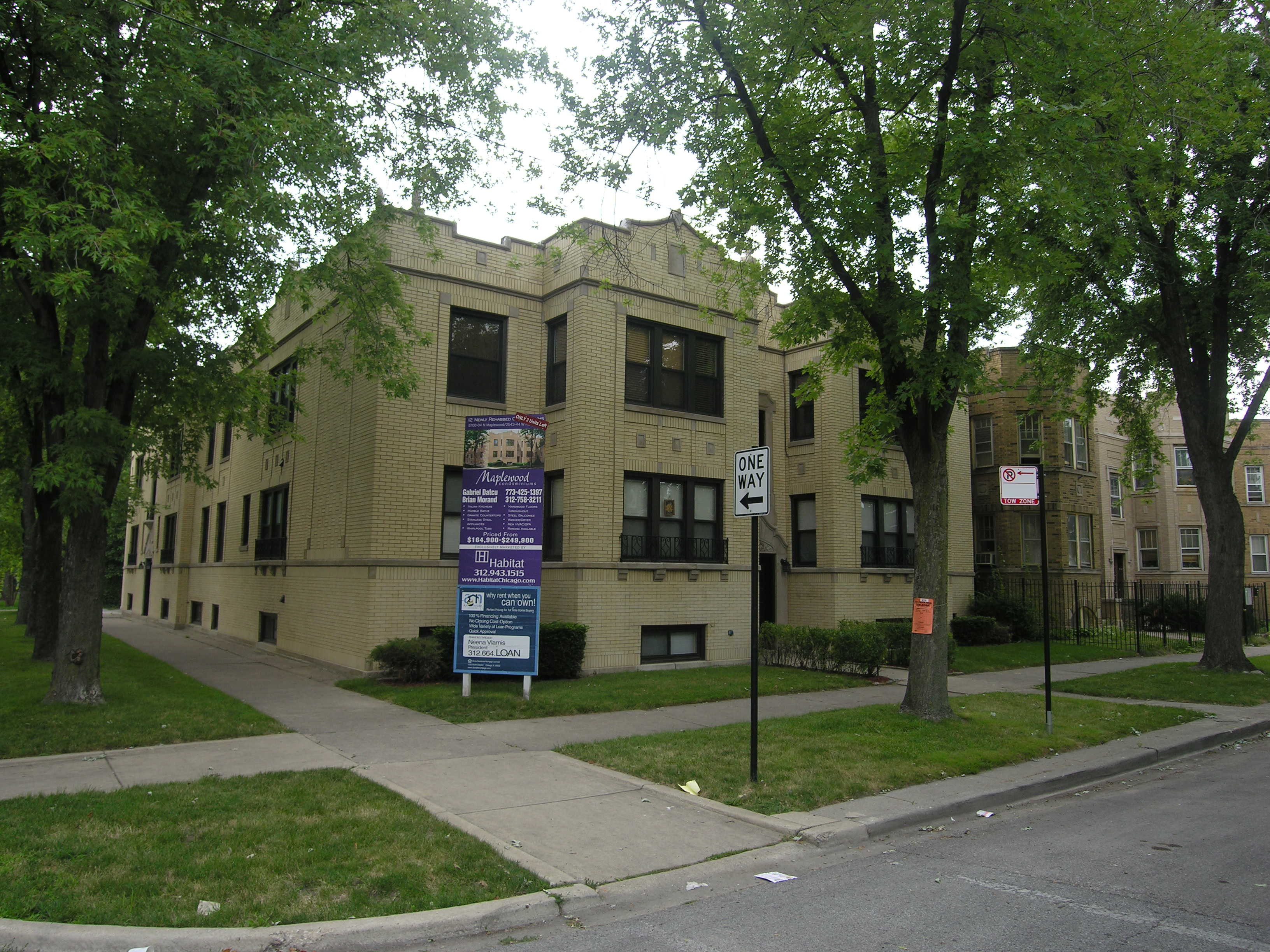 Maplewood Condominiums – a slice of Arcadia on the Northwest Side