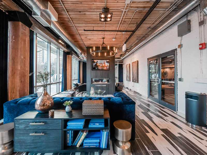 Spacious waterfront loft apartments in Streeterville