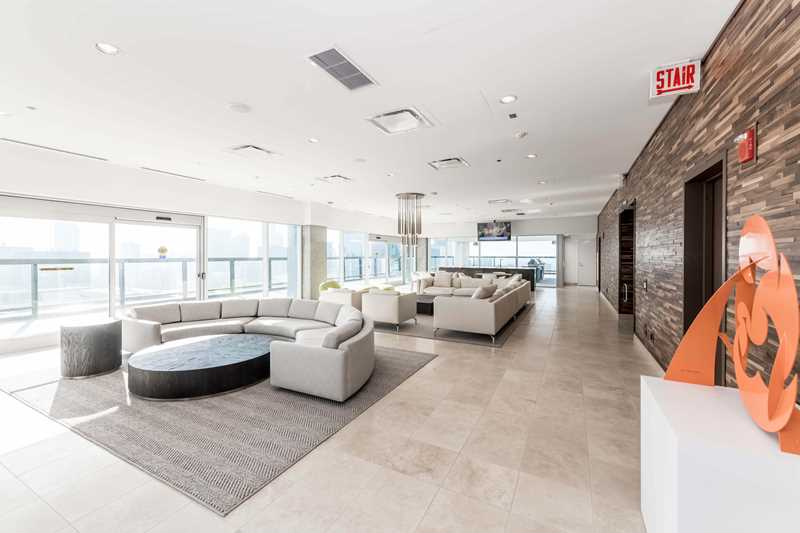 Optima Signature has ultra-luxury apartments in an enviable Streeterville location