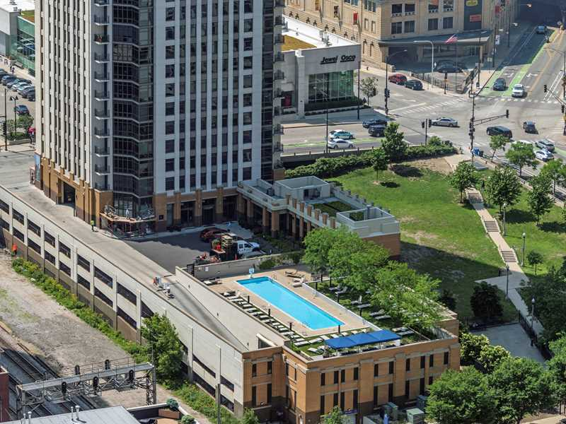 Boutique luxury apartments steps from the West Loop at Echelon