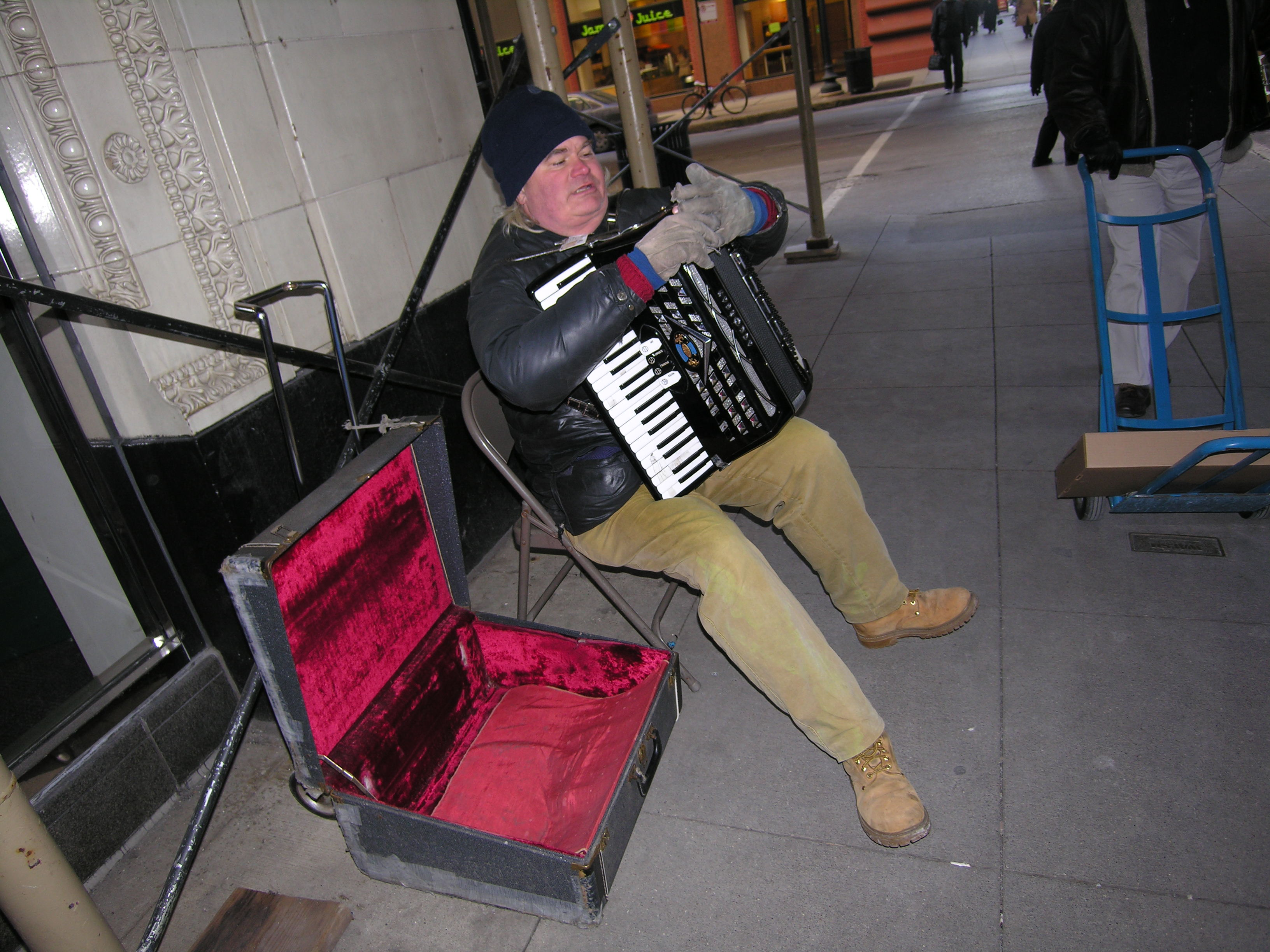 Squeezebox player finds a new corner in the Loop