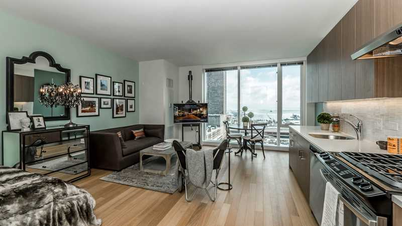 New Streeterville studios with spectacular lake views